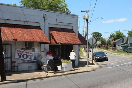 Photo By Khara Persad/News21 The Thomas Deli In Pratt City Is The Site Of A  Voter Registration Drive Organized By Debbie And Danita Agee,  Granddaughters Of ...